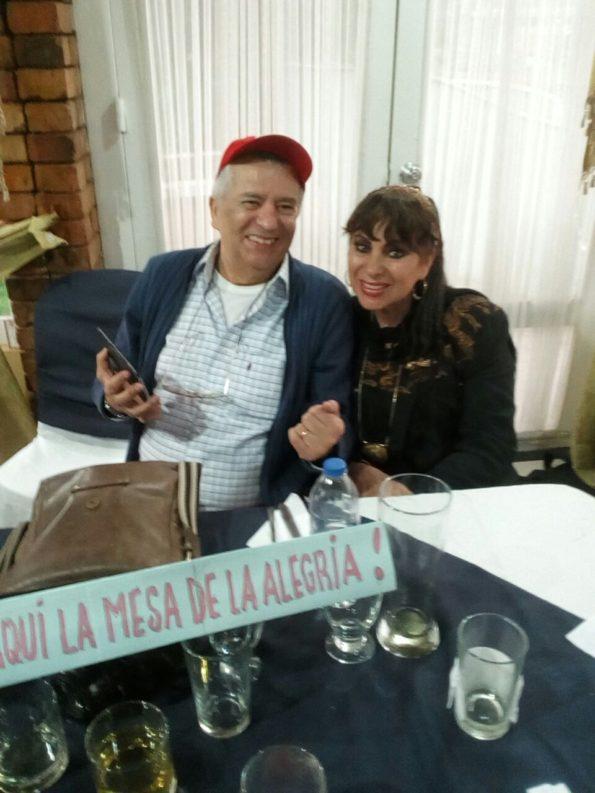 Doris David con el reconocido periodista Lázaro Vanegas.