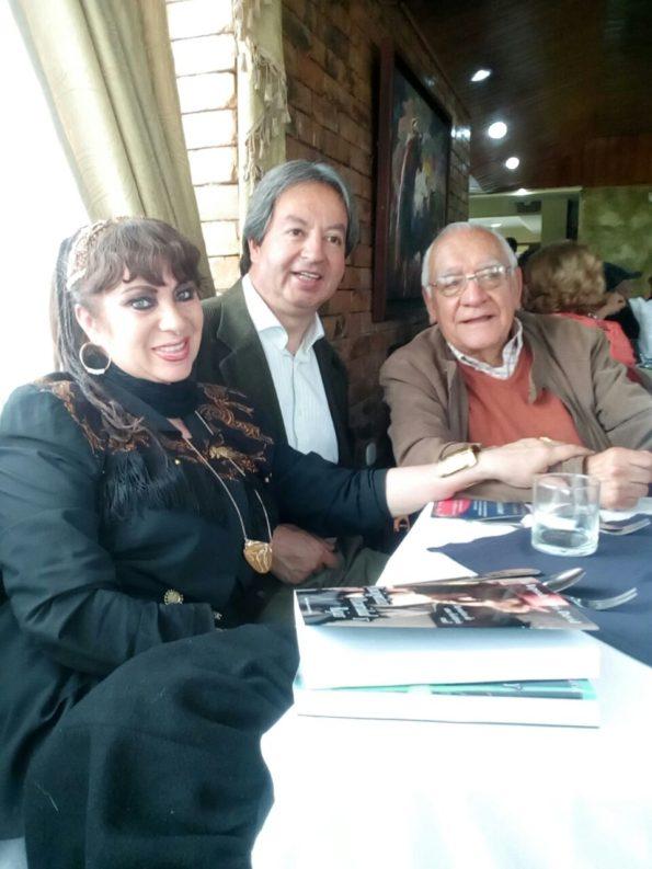Con los dos famosos periodistas Guillermo Bohórquez y don Jorge Antonio Vega.